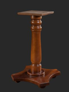 Traditional Poseur Pedestal Table